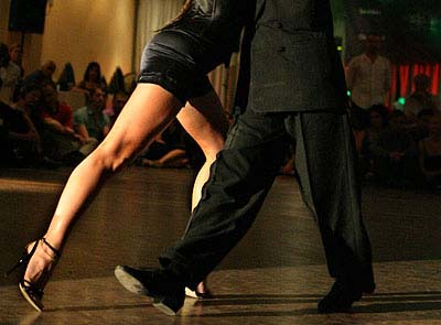 The 3 types of stretching-and the one Tango Dancers want to use